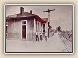 The Cornelius Depot. In the front: Agent Forbis and his wife with Mac White (1910).